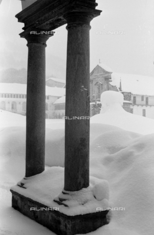PTA-S-001072-2003 - Snowfall on the Sanctuary of Oropa - Date of photography: 1940 ca. - Fratelli Alinari Museum Collections-Pasta Archive, Florence