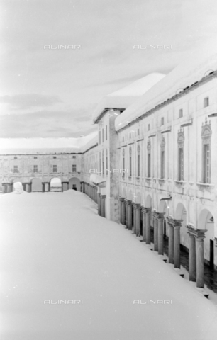 PTA-S-001072-2009 - View of the Sanctuary of Oropa with the snow - Date of photography: 1940 ca. - Fratelli Alinari Museum Collections-Pasta Archive, Florence