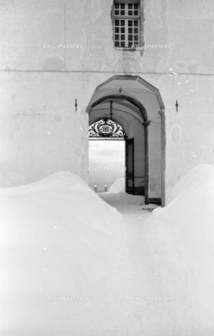 PTA-S-001072-2017 - View of the Sanctuary of Oropa with the snow - Date of photography: 1940 ca. - Fratelli Alinari Museum Collections-Pasta Archive, Florence