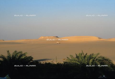 QFA-S-DIA088-00EG - Deserto a sud dell'Oasi di Siwa. - Data dello scatto: 2002 - Folco Quilici © Fratelli Alinari