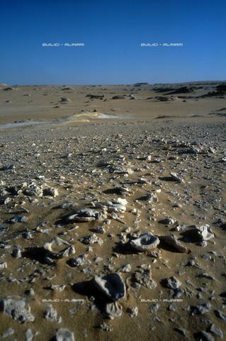 QFA-S-DIA096-00EG - Deserto a sud dell'Oasi di Siwa. - Data dello scatto: 2002 - Folco Quilici © Fratelli Alinari