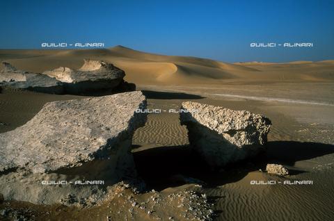 QFA-S-DIA097-00EG - Deserto a sud dell'Oasi di Siwa. - Data dello scatto: 2002 - Folco Quilici © Fratelli Alinari
