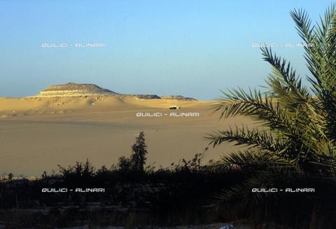 QFA-S-DIA099-00EG - Deserto a sud dell'Oasi di Siwa. - Data dello scatto: 2002 - Folco Quilici © Fratelli Alinari