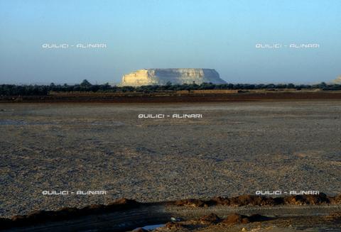 QFA-S-DIA100-00EG - Deserto a sud dell'Oasi di Siwa. - Data dello scatto: 2002 - Folco Quilici © Fratelli Alinari