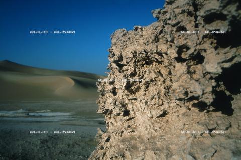 QFA-S-DIA106-00EG - Deserto a sud dell'Oasi di Siwa. - Data dello scatto: 2002 - Folco Quilici © Fratelli Alinari