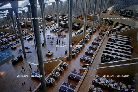 """QFA-S-DIA134-00EG - Alessandria. La ricostruzione moderna della famosa """"Biblioteca d'Alessandria"""" - Data dello scatto: 2002 - Folco Quilici © Fratelli Alinari"""