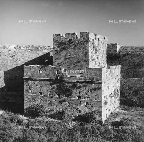 RAD-A-000012-0030 - Antiche fortificazioni a Rodi, Grecia - Data dello scatto: 1962 - Archivi Alinari, Firenze