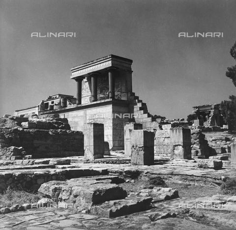 RAD-A-000012-0039 - Rovine del Palazzo di Cnosso nell'isola di Creta, Grecia - Data dello scatto: 1962 - Archivi Alinari, Firenze