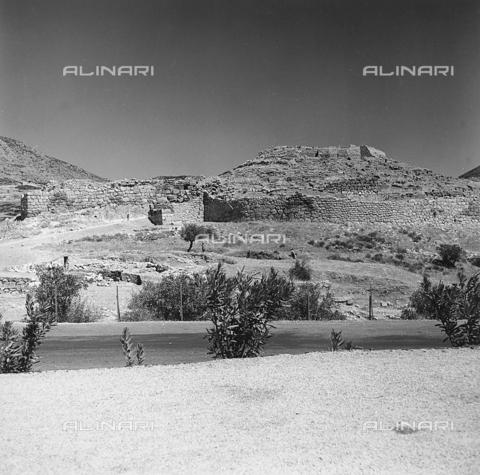 RAD-A-000012-0046 - L'area archeologica di Micene in Grecia - Data dello scatto: 1962 - Archivi Alinari, Firenze