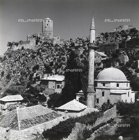 RAD-A-000012-0102 - La Moschea Karadzibeg a Mostar, Bosnia Herzegowina - Data dello scatto: 1968 - Archivi Alinari, Firenze