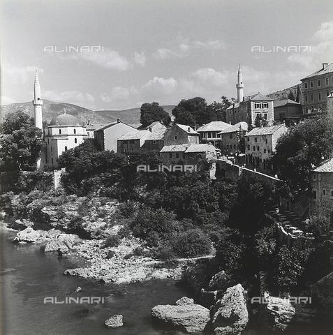 RAD-A-000012-0109 - La città di Mostar, Bosnia Herzegowina - Data dello scatto: 1968 - Archivi Alinari, Firenze