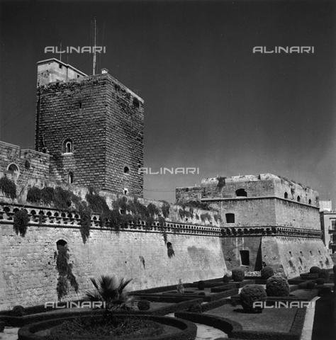 RAD-A-000013-0034 - Castle, Bari