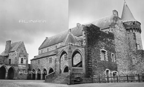 RAD-A-000018-0030 - Edificio interno alla rocca di Vitré in Bretagna - Data dello scatto: 1963 - Archivi Alinari, Firenze
