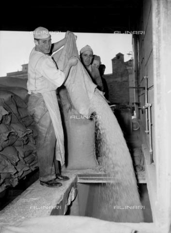RCB-F-008837-0000 - Fornai al lavoro - Data dello scatto: 1949 - Archivio Bruni/Gestione Archivi Alinari, Firenze