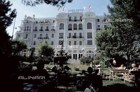 RCS-S-E17070-0005 - Il Grand Hotel di Rimini - Data dello scatto: 1983 - RCS / Gestione Archivi Alinari, Firenze