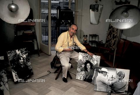 RCS-S-E17071-0001 - Photograper Davide Minghini from Rimini, friend of Federico Fellini - Data dello scatto: 1983 - RCS/Alinari Archives Management, Florence