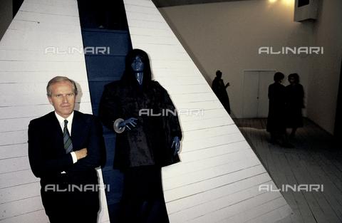 RCS-S-E18845-0004 - Fashion designer Nicola Trussardi - Data dello scatto: 1985 - RCS/Alinari Archives Management, Florence