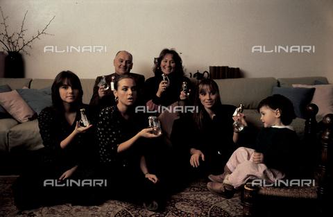 RCS-S-E20350-0002 - The Nonino Family: first row Cristina, Antonella and Elisabetta, in the background Giannola and Benito.  Percoto, near Udine - Data dello scatto: 1987 - RCS/Alinari Archives Management, Florence