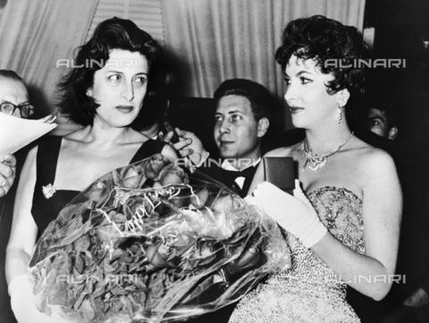 RCT-F-048831-0000 - Anna Magnani e Gina Lollobrigida - Data dello scatto: 1955 ca. - Archivio Toscani/Gestione Archivi Alinari, Firenze