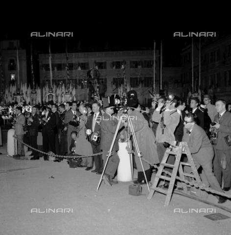 RCT-F-051367-0000 - Matrimonio di Grace Kelly e Ranieri di Monaco. I fotografi - Data dello scatto: 1956 - Archivio Toscani/Gestione Archivi Alinari, Firenze