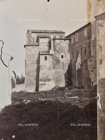 REA-F-000155-0000 - La chiesa dei Santi Quattro Coronati a Roma - Data dello scatto: 1880-1890 - Raccolte Museali Fratelli Alinari (RMFA)-archivio Roesler Franz, Firenze