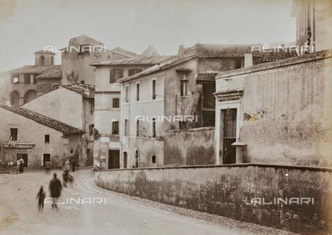 REA-F-000157-0000 - Via Garibaldi a Trastevere, Roma - Data dello scatto: 1880-1900 - Archivi Alinari, Firenze