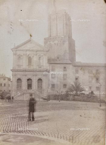 REA-F-000162-0000 - Largo Magnanapoli a Roma con la Chiesa di Santa Caterina a Magnanapoli e la Torre delle Milizie - Data dello scatto: 1880-1890 ca. - Archivi Alinari, Firenze