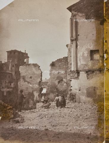 REA-F-000235-0000 - Edifici demoliti sul Lungotevere dei Pierleoni a Roma - Data dello scatto: 1880-1887 ca. - Archivi Alinari, Firenze
