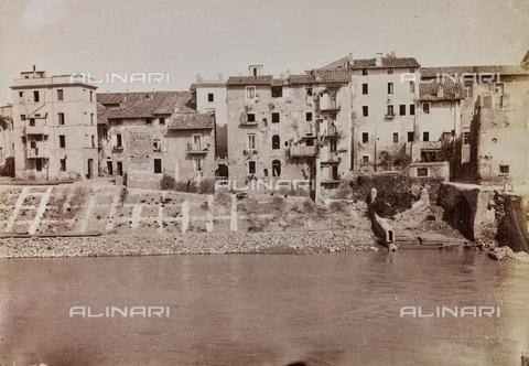 REA-F-000390-0000 - Case sulla riva del Tevere a Roma - Data dello scatto: 1880-1890 ca. - Archivi Alinari, Firenze