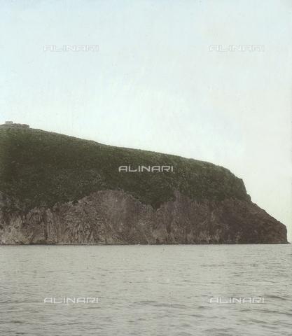 RGD-F-004072-0000 - Veduta dell'estremità settentrionale dell' Isola di Capraia - Data dello scatto: 1890-1899 - Archivi Alinari, Firenze