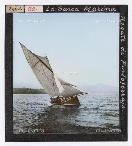 """RGD-S-000022-2990 - Sailboat """"Marina"""" during a race in Portoferraio, Elba Island - Data dello scatto: 1890-1910 - Archivi Alinari, Firenze"""