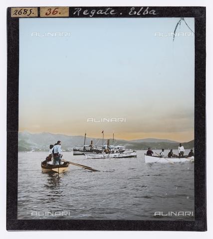 RGD-S-000036-2685 - Barche durante una regata a Portoferraio, Isola d'Elba - Data dello scatto: 1890-1910 - Raccolte Museali Fratelli Alinari (RMFA)-donazione Roster, Firenze