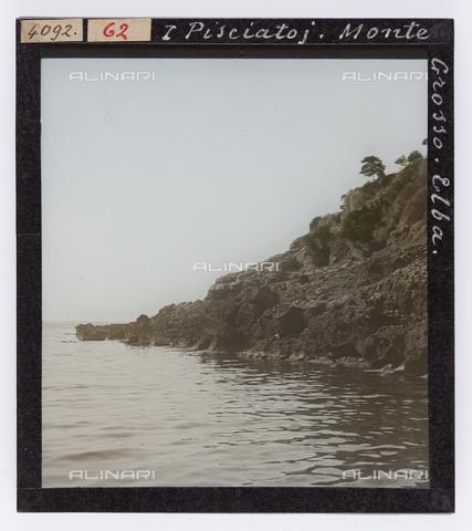 RGD-S-000062-4092 - Cala del Pisciatoio, Isola d'Elba - Data dello scatto: 1890-1910 - Raccolte Museali Fratelli Alinari (RMFA)-donazione Roster, Firenze