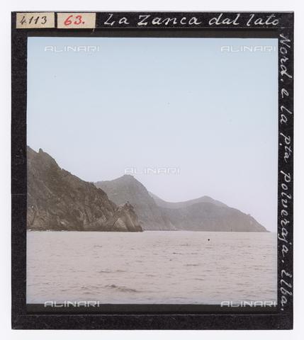 RGD-S-000063-4113 - Zanca seen from the north with Punta Polveraia, Elba Island - Data dello scatto: 1890-1910 - Archivi Alinari, Firenze