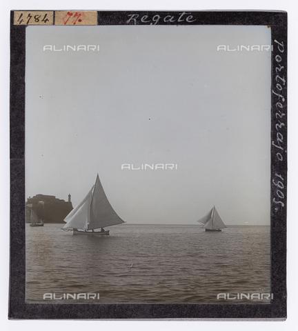 RGD-S-000077-4784 - Barche durante una regata a Portoferraio, Isola d'Elba - Data dello scatto: 1905 - Raccolte Museali Fratelli Alinari (RMFA)-donazione Roster, Firenze