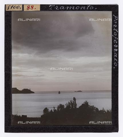 RGD-S-000088-5100 - Sunset in Portoferraio, Elba Island - Data dello scatto: 1890-1910 - Archivi Alinari, Firenze