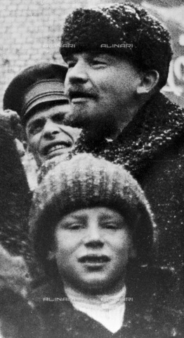 RNA-F-008990-0000 - Vladimir Lenin (1870-1924) during the celebration of the second anniversary of the 1917 Revolution on the Red Square in Moscow - Data dello scatto: 07/11/1919 - Sputnik/ Alinari Archives