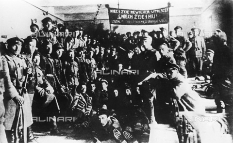 RNA-F-755951-0000 - Russian revolution: a Polish battalion who joined the revolution of 1917 - Data dello scatto: 1917 - Sputnik/ Alinari Archives