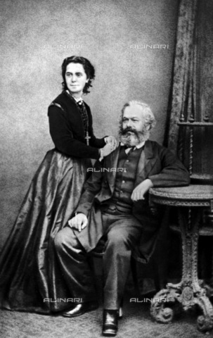 RNA-F-836258-0000 - The politician and economist Karl Marx (1818-1883) photographed with the eldest daughter Jenny in London - Data dello scatto: 01/1869 - Sputnik/ Alinari Archives