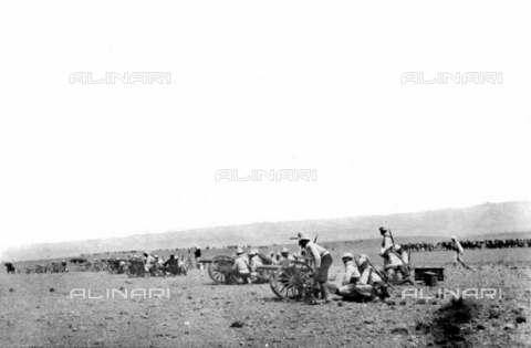 RVA-S-003107-0016 - Colonialismo francese in Marocco: artiglieria della legione straniera - Data dello scatto: 1907-1914 - Albert Harlingue / Roger-Viollet/Alinari