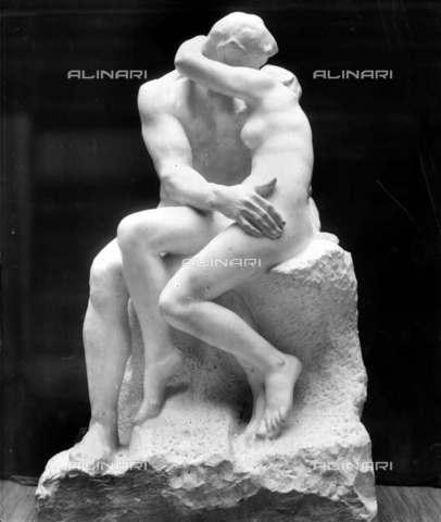 """RVA-S-003995-0013 - """"Il Bacio"""", 1888, marmo, Auguste Rodin (1840-1917), Museo Rodin di Parigi - Léopold Mercier / Roger-Viollet/Alinari"""