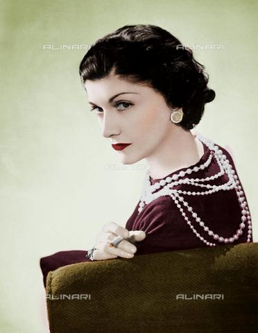 RVA-S-015416-0001 - Ritratto della stilista Coco Chanel - Data dello scatto: 1936 - Studio Lipnitzki / Roger-Viollet/Alinari