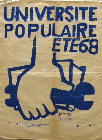 """RVA-S-033907-0007 - Manifesto con l'iscrizione """"Université populaire été 68"""" del maggio francese - Jean-Pierre Couderc / Roger-Viollet/Alinari"""