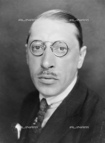 RVA-S-043183-0005 - The Russian and French national composer Igor Stravinsky (1882-1971) - Pierre Choumoff / Roger-Viollet/Alinari