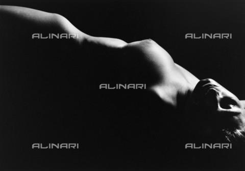 RVA-S-050342-0013 - Nude. Paris. 1948. Photograph by Janine Niepce (1921-2007). - Data dello scatto: 01/01/1948 - Janine Niepce / Roger-Viollet/Alinari