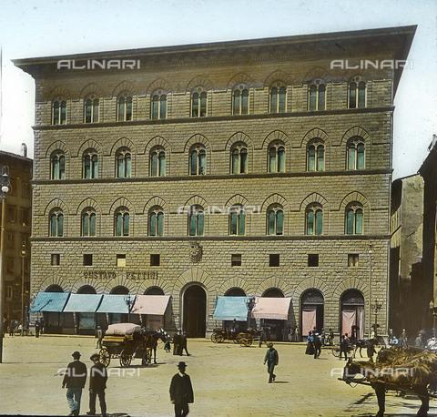 RVA-S-081578-0018 - Palazzo delle Assicurazioni Generali in piazza della Signoria a Firenze - Data dello scatto: 1895 ca. - Léon et Lévy / Roger-Viollet/Alinari