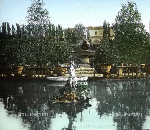 RVA-S-081578-0027 - Il Giardino di Boboli con la fontana dell'Oceano a Firenze - Data dello scatto: 1895 ca. - Léon et Lévy / Roger-Viollet/Alinari