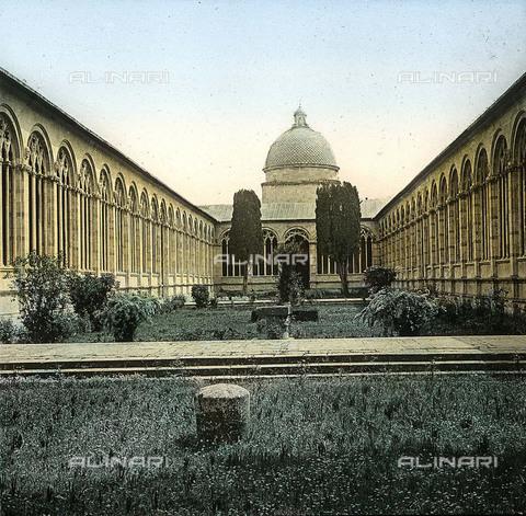 RVA-S-081579-0003 - Cortile del Camposanto Monumentale di Pisa - Data dello scatto: 1895 ca. - Léon et Lévy / Roger-Viollet/Alinari