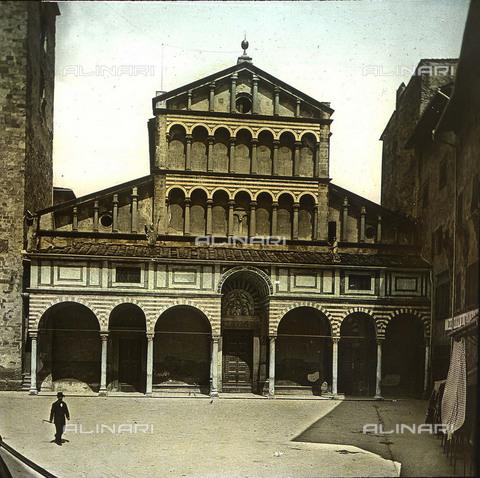 RVA-S-081579-0005 - La Cattedrale di San Zeno (Duomo) in piazza Duomo a Pistoia - Data dello scatto: 1895 ca. - Léon et Lévy / Roger-Viollet/Alinari