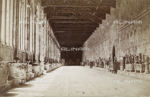 SCC-A-000002-0009 - The northern corridor of the Pisa Cemetery - Data dello scatto: 1855 ca. - Archivi Alinari, Firenze